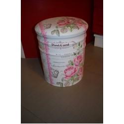 Табуретка - кутия с Рози